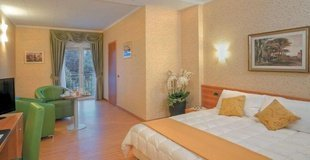 DELUXE ROOMS ELE Green Park Hotel Pamphili